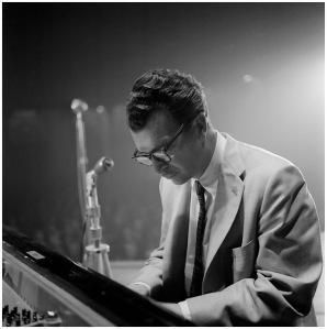 carel-l-de-vogel-jazzpianist-dave-brubeck-1957-1959