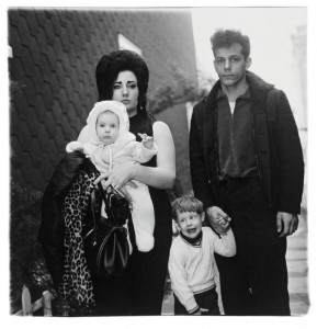 diane_arbus_young_brooklyn_family-770x800